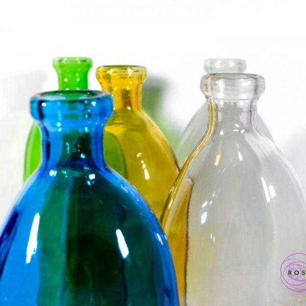 Butelki dali dostępne w pięciu kolorach