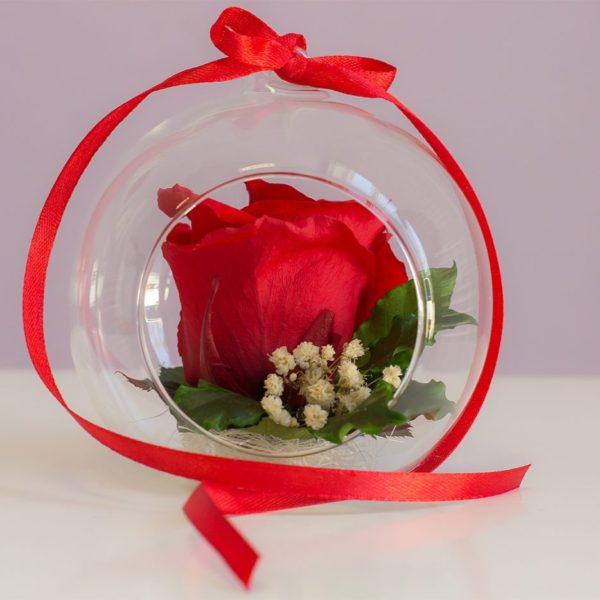 Róże stabilizowane osadzone w pięknej kompozycji glass