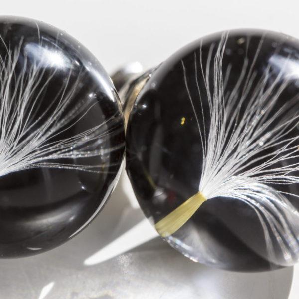 Kolczyki z nasionkiem dmuchawca i złotym pyłem czarne sztyft