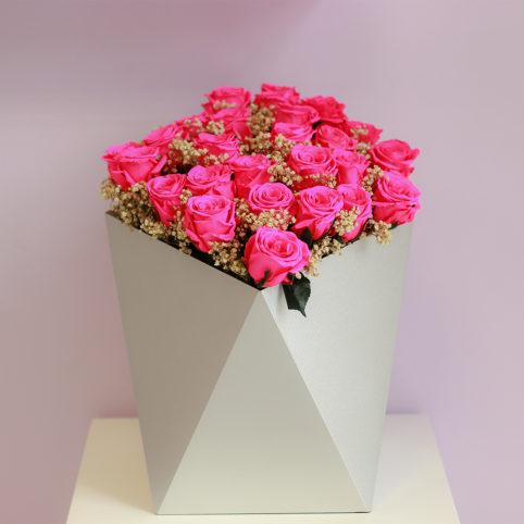 Piękne róże stabilizowane w osłonie Rose Belle