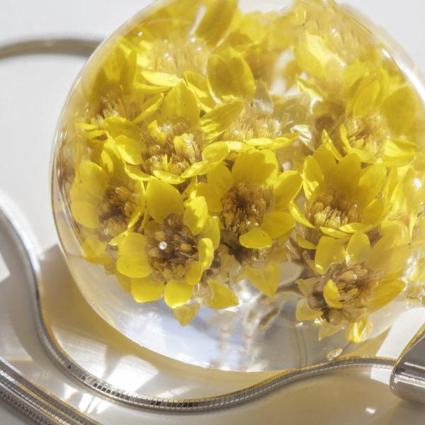Naszyjnik z żółtymi kwiatuszkami duży